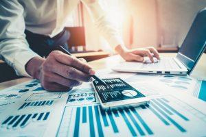 Dlaczego warto skorzystać z porównywarki kredytów gotówkowych?