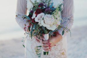 Szyć suknię ślubną na wymiar, czy postawić na gotową suknię ślubną?