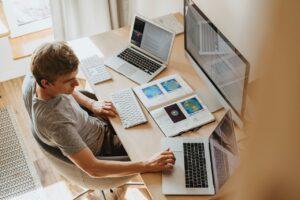 Jak przygotować się do pracy w branży IT?